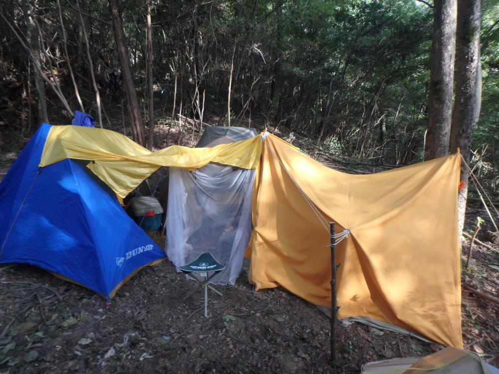 キャンプ生活のために据え置きテントを設営、改良&メンテナンス